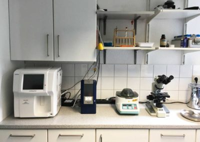 Laborgeräte Kleintierpraxis Dr. Budde